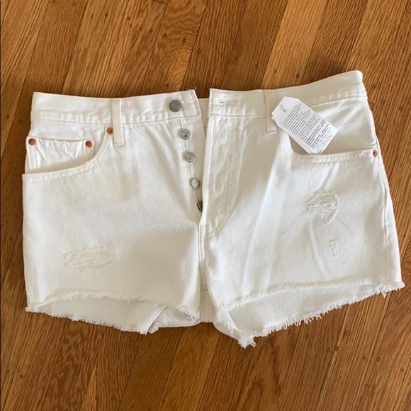 White Levi's 501 Cutoff shorts